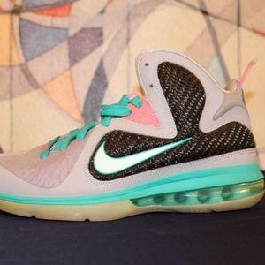Nike - Lebron James Shoes | Lebron